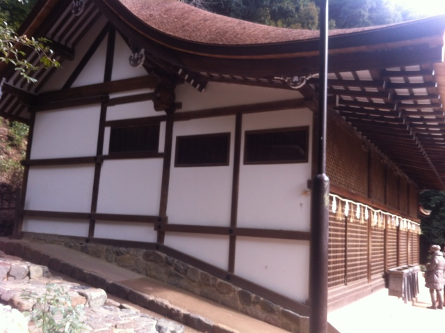Lime finished walls on the main den of Uji Shrine in Kyoto. The walls were recently refinished. Under the lime finish is a layer, roughly an inch thick, of clay plaster. The last time it was refinished was 100 years ago (according to carefully recorded shrine records).